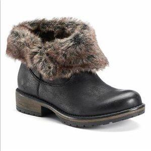 Candies Cahoot Black Faux Fur Boots Size 7